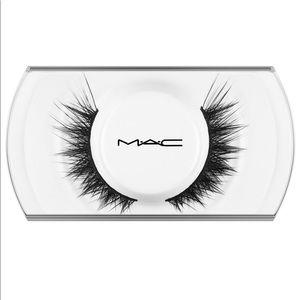 MAC 70 Lash - Ultra Glamorous False Eyelashes